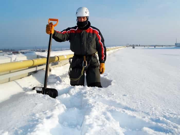 Очистка крыши от снега барнаул